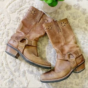 Frye pull on brown cowboy boots